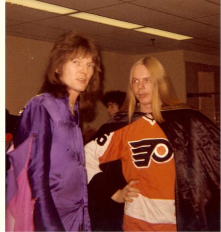 Squire and Wakeman backstage at the Spectrum in Philadelphia, 1072.  Rick wearing a Flyers jersey.