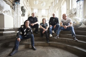 Marillion2015_Lo-Res_Credit-CarlGlover