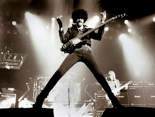 Thin-Lizzy-Phil-Lynot-resize-2