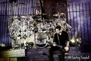 Mike Portnoy playing with Avenged Sevenfold