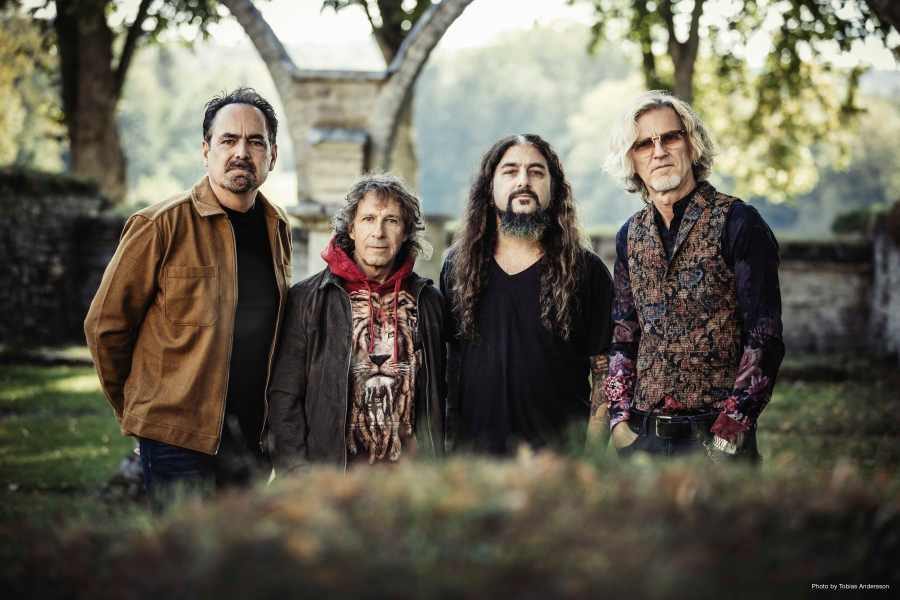 Neal Morse, Pete Trewavas, Mike Portnoy, Roine Stolt